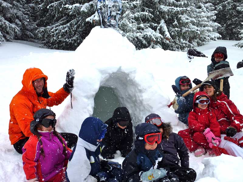 Photo - construction igloo classe de neige